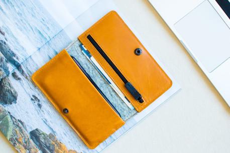 Kožená peněženka na telefon // SEVEN (Brown)