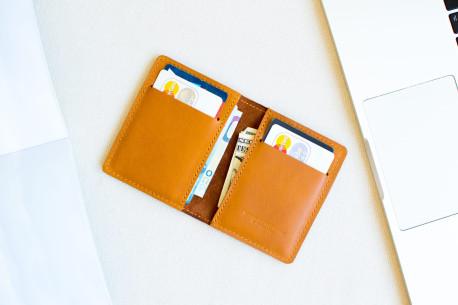 Kožená peněženka na karty  // STAFF (Brown)