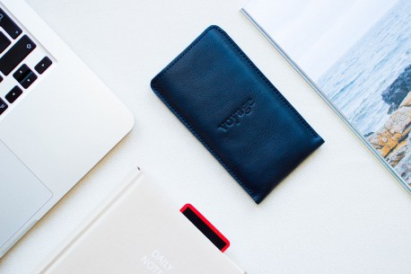 Huawei Mate 20 & P20 leather sleeve // PELTA