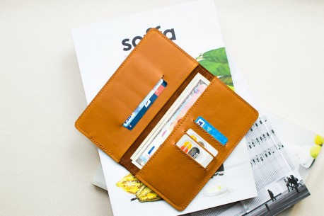 Kožená peněženka na iPhone 12, 11 Pro & Xs Max // HANK (Brown)