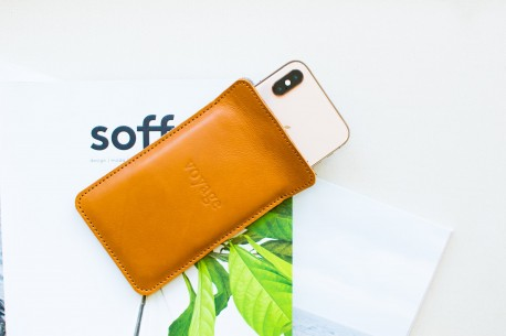 iPhone Xs, Xr & Xs Max leather sleeve // LAPORT (Brown)
