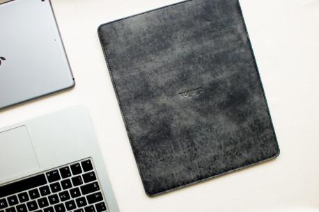 """Kožený obal na MacBook 12"""",13"""",15"""" // PELTA (Graphite)"""