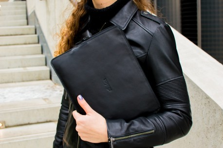 "Leather folio iPad 11"" & 12.9"" // SAFE (Black)"