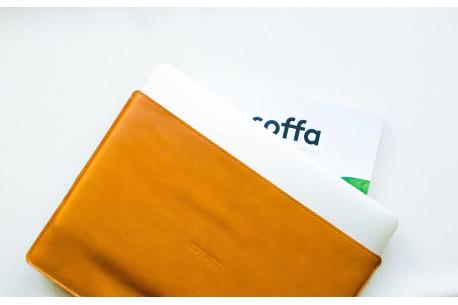Leather MacBook sleeve// SLIM (Brown)