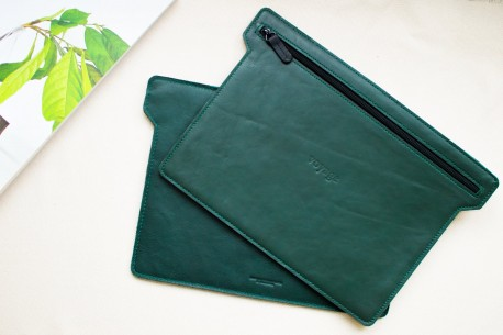 "Leather folio iPad 10.5"" & 12.9"" // HOLD (Green)"