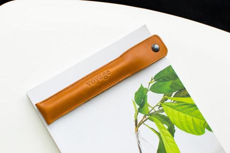 Kožené pouzdro na tužky // PLUME (Brown)