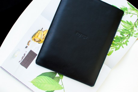 """Kožený obal na MacBook 12"""",13"""",15"""" // PELTA (Black)"""