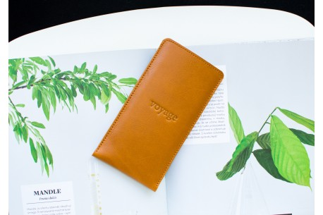 iPhone leather sleeve // PELTA (Brown)