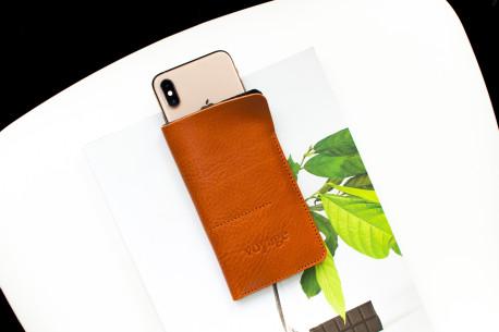 Kožený obal na iPhone 12, 11 Pro & Xs Max // ALTER (Chestnut)