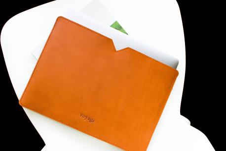 Leather MacBook sleeve // LOFT (Chestnut)