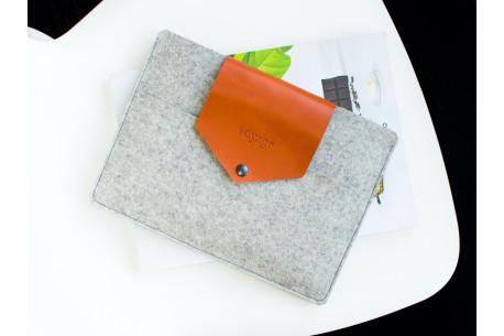 Felt MacBook case // WOOLY (Light)