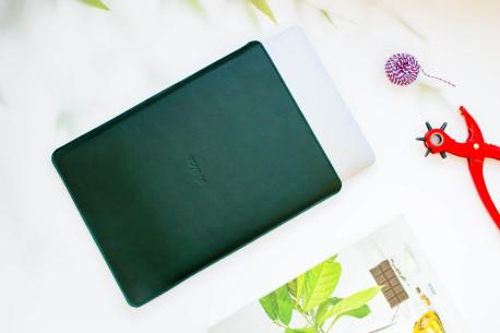 """Kožený obal na MacBook 12"""",13"""",15"""" // PELTA (Green)"""