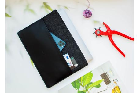 Felt MacBook sleeve // SHELT (Black)