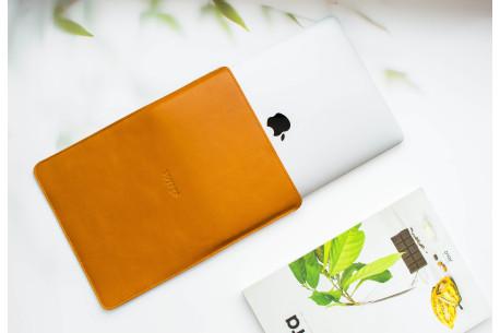 Leather MacBook sleeve // PELTA (Brown)