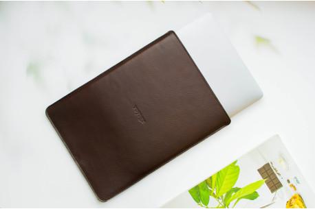 Leather MacBook sleeve // PELTA (Coffee)