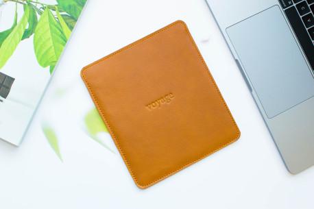 Leather sleeve Amazon Kindle // PELTA (Brown)