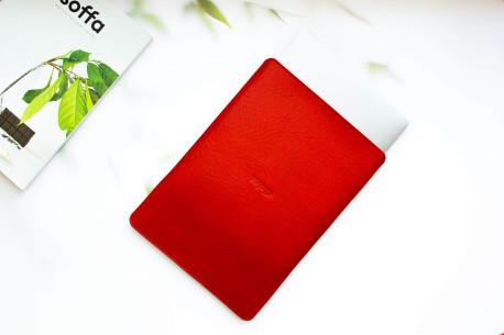Leather MacBook sleeve // PELTA (Red)