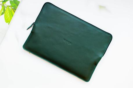 Leather MacBook folio // SAFE (Green)