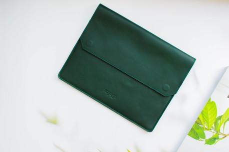 Leather MacBook sleeve // LEDAR (Green)