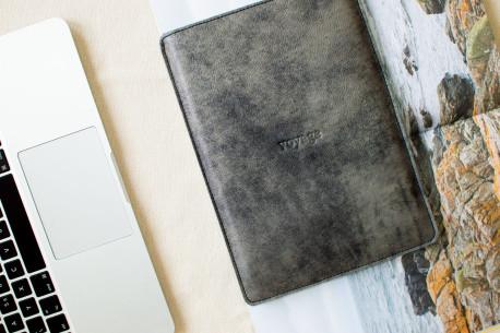 """Kožený obal na iPad 9.7"""",10.5"""",12.9"""" // Pelta (Graphite)"""