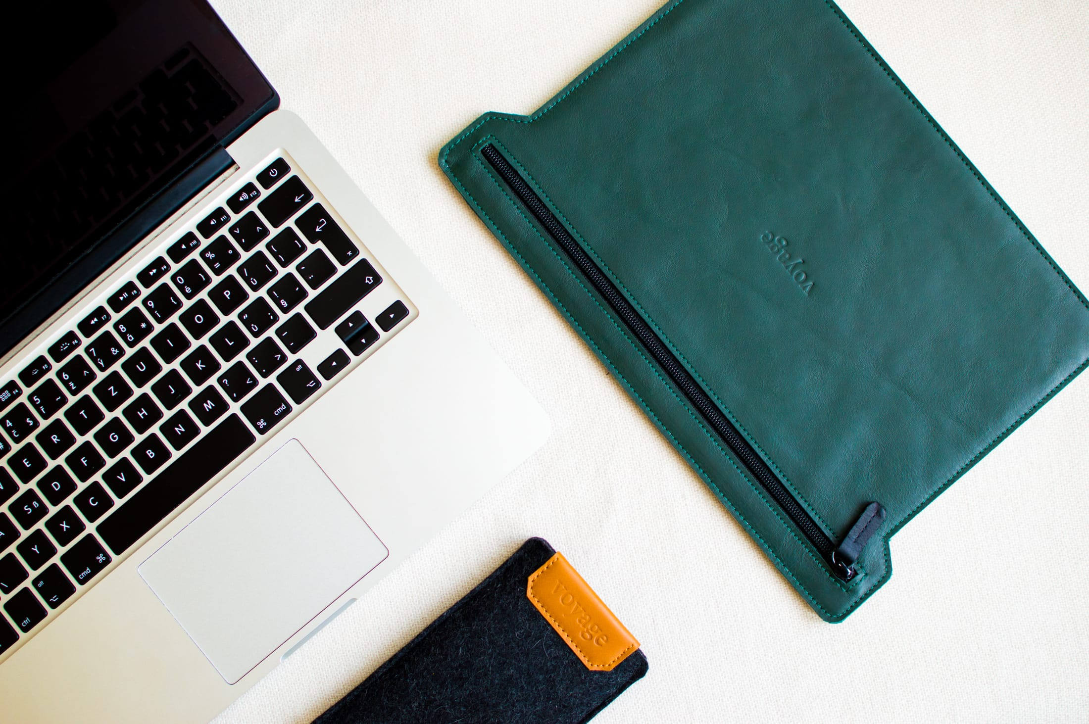 leather folio for macbook 13